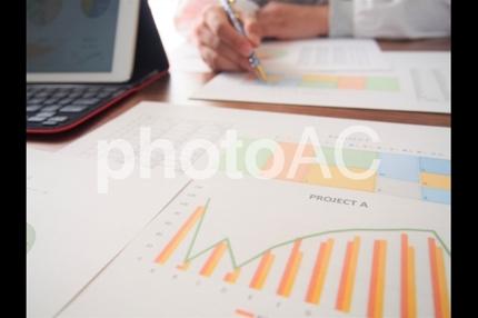 学習塾の市場調査資料の作成を行います。
