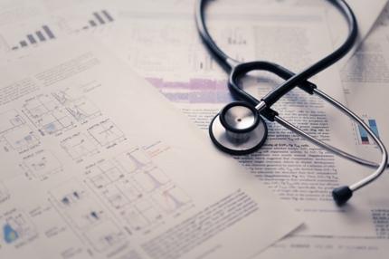 医薬系研究に関する文献15報のリスト作成(研究資料調査)