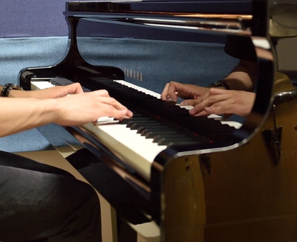 ピアノ伴奏音源制作承ります