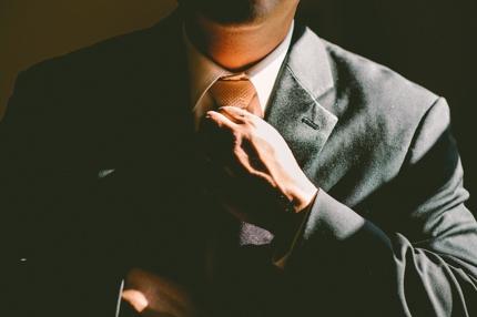 公務員試験のすべり止めにおすすめな民間企業選び、お手伝いします。