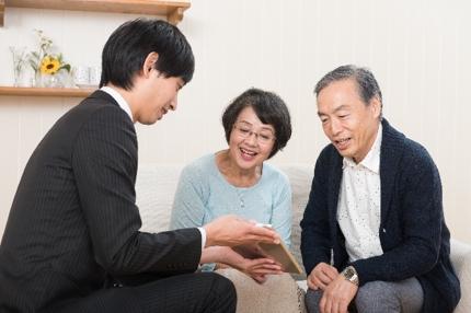 高齢者施設の入居前に施設見極めのご相談に乗ります。