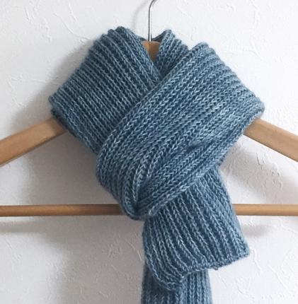 マフラー編みます