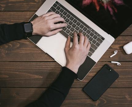 上場企業のエンジニアが「最短1日で」ホームページ公開する方法を教えます