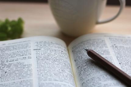 書類、業務提携書、なんでも英語の翻訳、通訳承ります!
