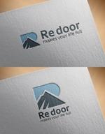 tobiuosunsetさんのキャンプ/アウトドアブランド「Re door 」のロゴへの提案