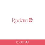 minami-mi-natzさんのスナック 「Rodzina」のロゴへの提案