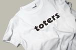 ALTAGRAPHさんのトートバッグ、Tシャツ、ポロシャツ等のブランド「toters」のロゴへの提案