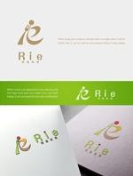 Yusuke1402さんの惣菜・スイーツ製造会社「利恵産業」のロゴ作成への提案