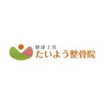 k-createさんの高齢者と子連れ女性の利便性に特化した整骨院のロゴへの提案
