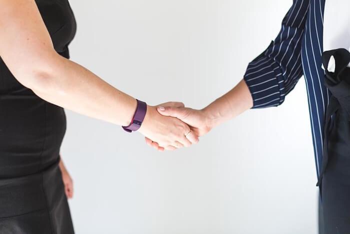 顧客や各取引先から信頼を得た経験や方法をお話します。相談も可能です。