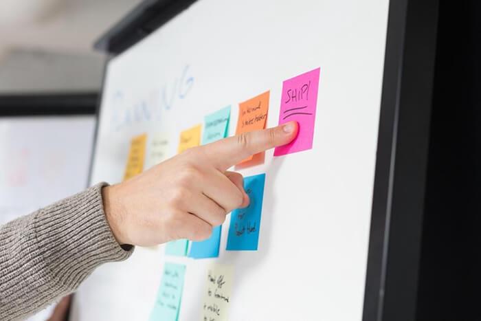 広告制作の内製化や、社内広報担当者のデザインリテラシーの向上。