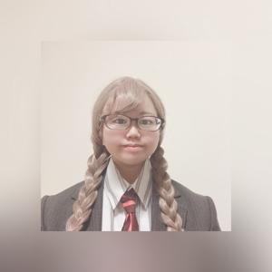 山﨑 佳奈